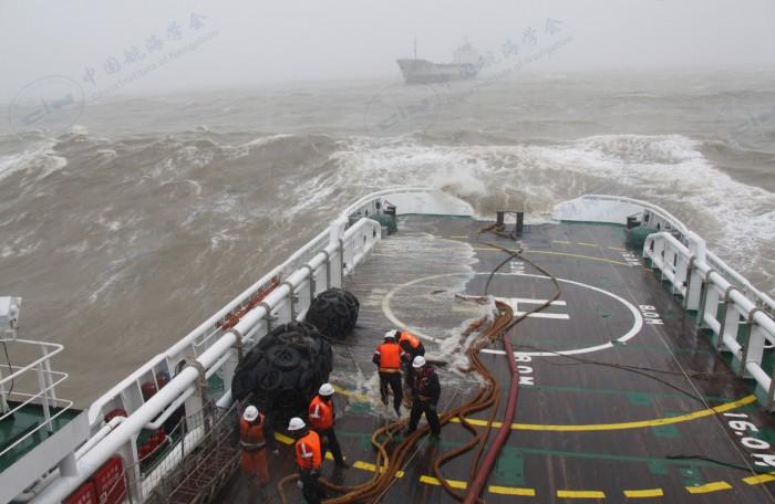 2015年11月22日 北海救112轮救助华东