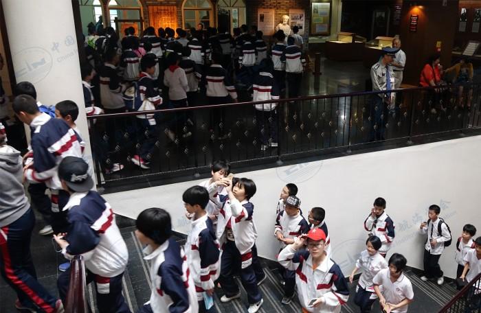2016年4月22日马尾福建师大二附中学生参观
