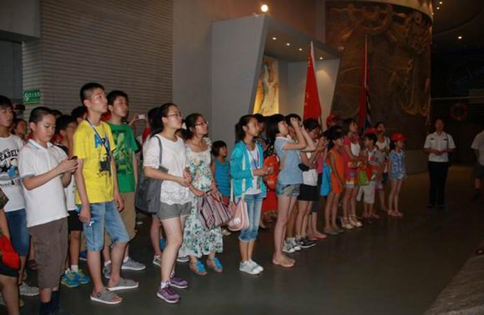 海纪馆组织夏令营营员走进远望二号英雄船系列活动02