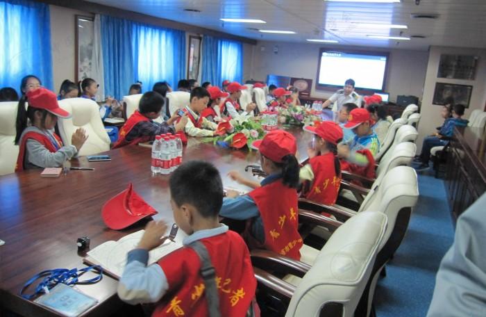 2013年8月船长与小记者座谈