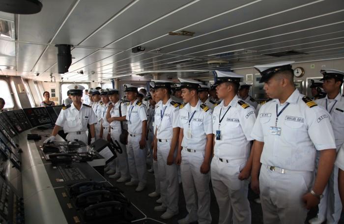菲律宾航海院校学生参观