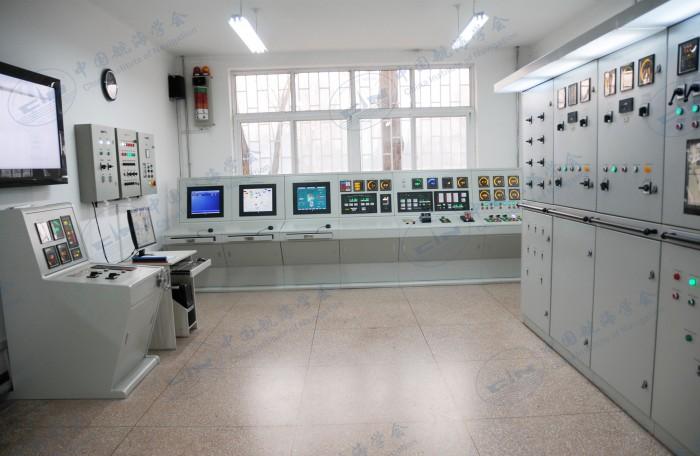 轮机模拟器实训室